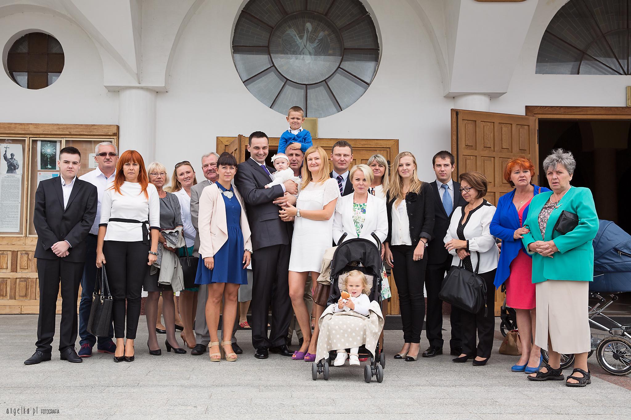 zdjęcie rodzinne - kościół