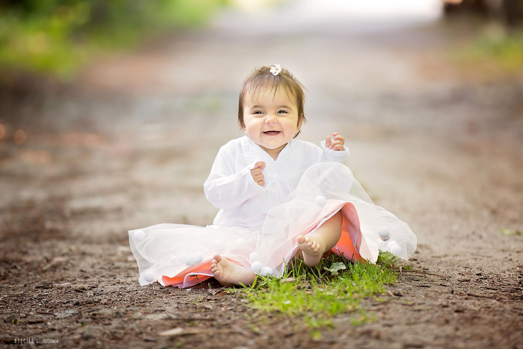 dziewczynka nasesji