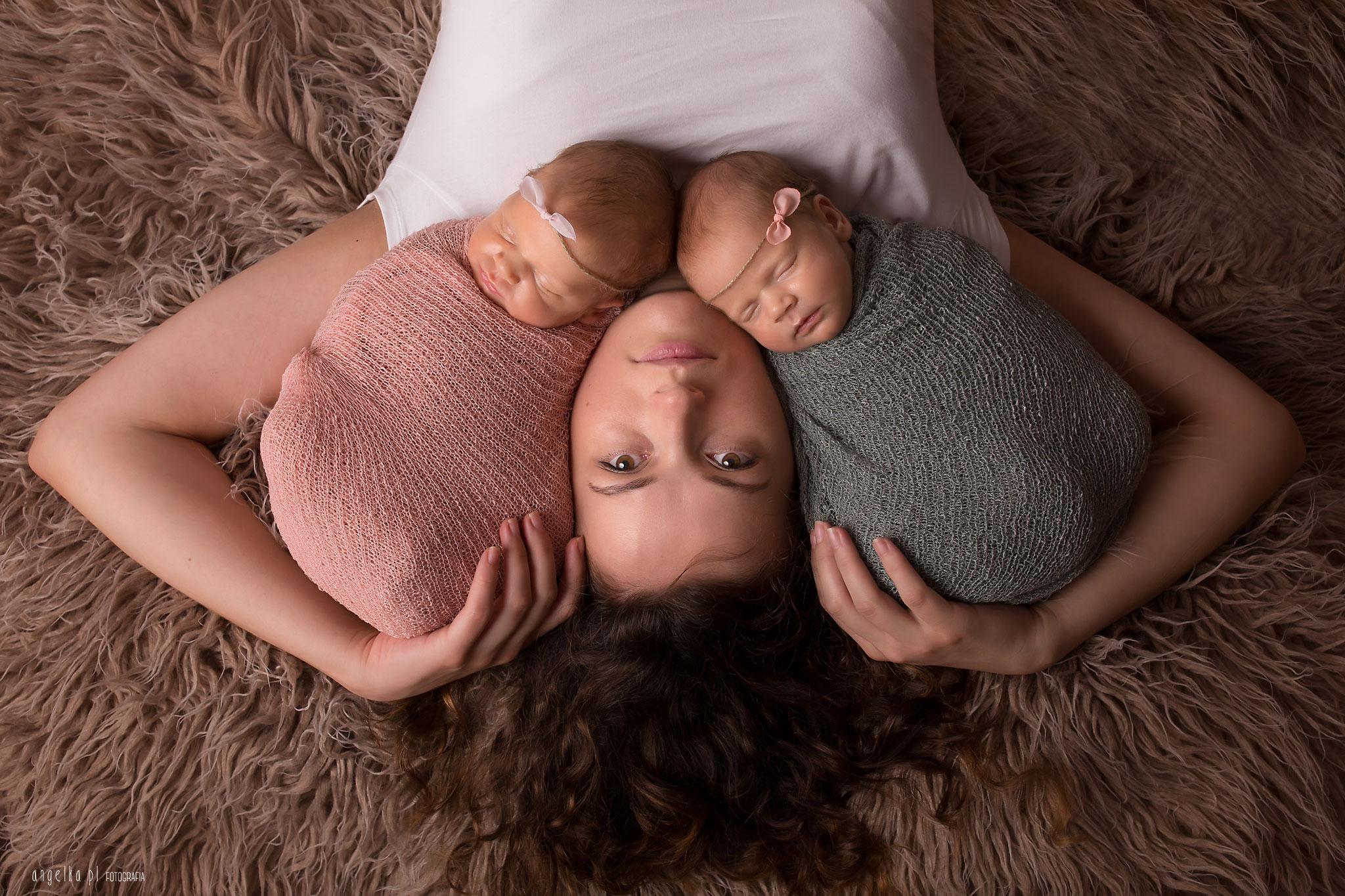 bliźniaczki zmamą nasesji