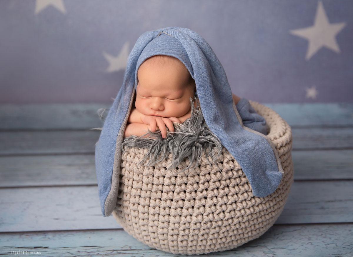 noworodek wczapce zuszkami